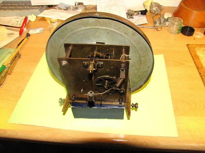 Werkstatt Himbert für Uhren und mehr... Ebenfalls ein Wanduhrwerk vor der Reparatur