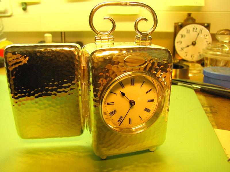 Werkstatt Himbert für Uhren und mehr... Kleine silberne Reiseuhr nach der Reparatur